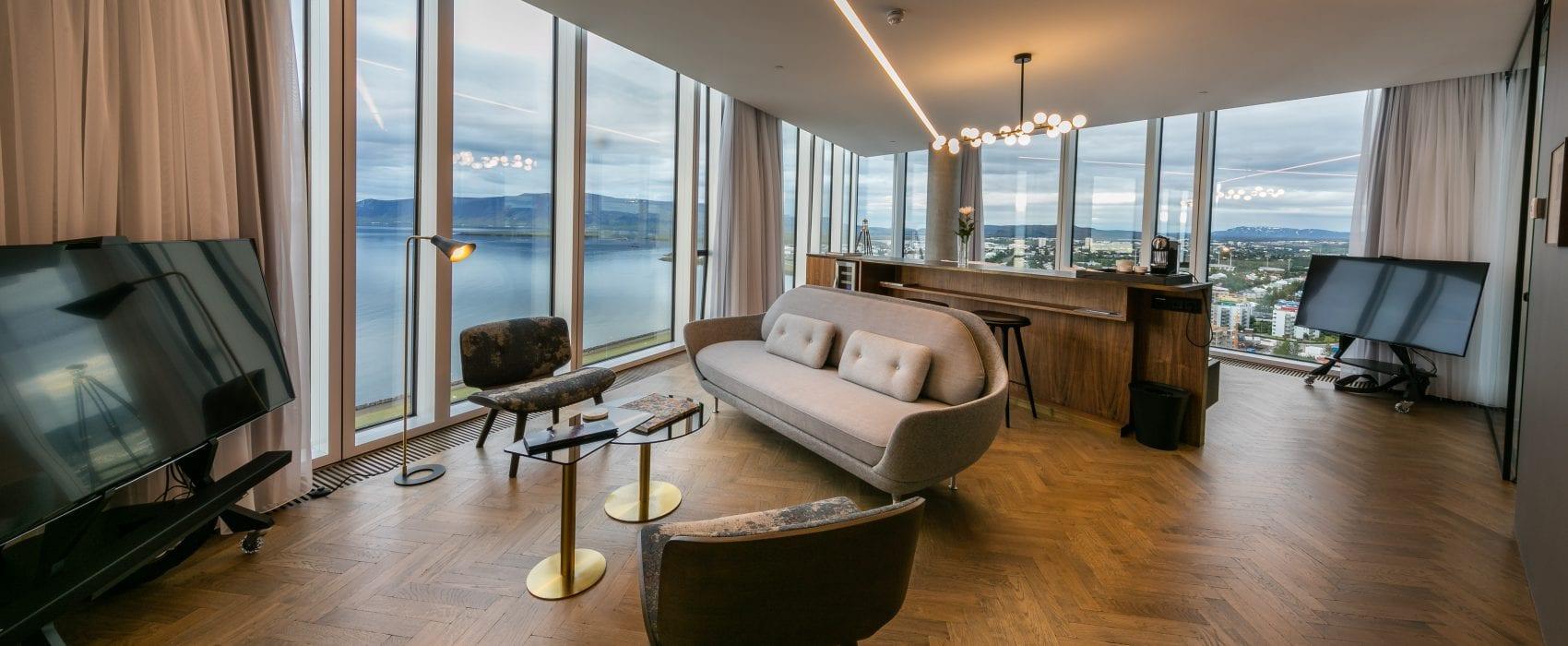 Esjan Corner Suite